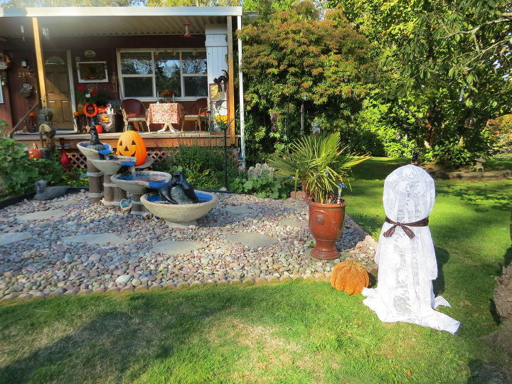 fun fast and easy solar halloween ghost crafts diy halloween decorations repurposing - Solar Halloween Decorations
