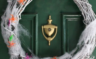 a creepy crawly halloween wreath in just two steps, crafts, halloween decorations, seasonal holiday decor, wreaths