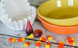 s 9 easy decor ideas inspired by delicious candy corn, seasonal holiday decor, wreaths