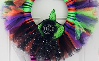easy witchy tulle halloween wreath, crafts, halloween decorations, seasonal holiday decor, wreaths, Tulle Halloween Wreath