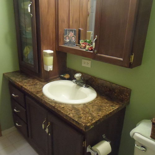 Faux Painting Bathroom Cabinets can i paint faux wood-grain, thermofoil faced cupboards? | hometalk