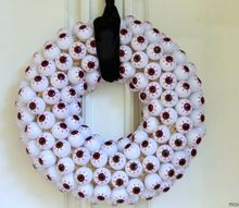 eyeball halloween wreath, crafts, halloween decorations, seasonal holiday decor, wreaths