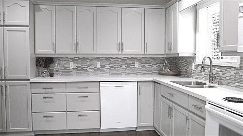 What Color Should I Paint Cabinets Using This Back Splash