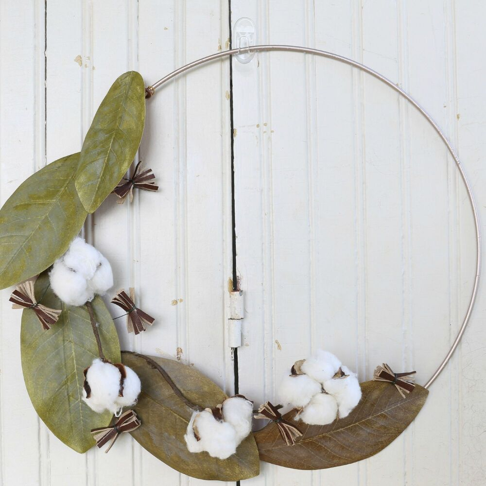 Make A Magnolia Wreath For A Touch Of Class