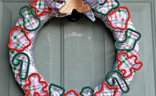 cookie cutter christmas wreath, christmas decorations, crafts, wreaths