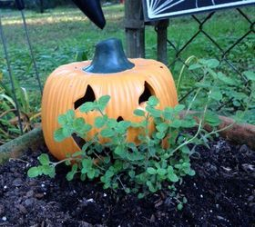 quick easy halloween decor hometalk - Halloween Garden Decor