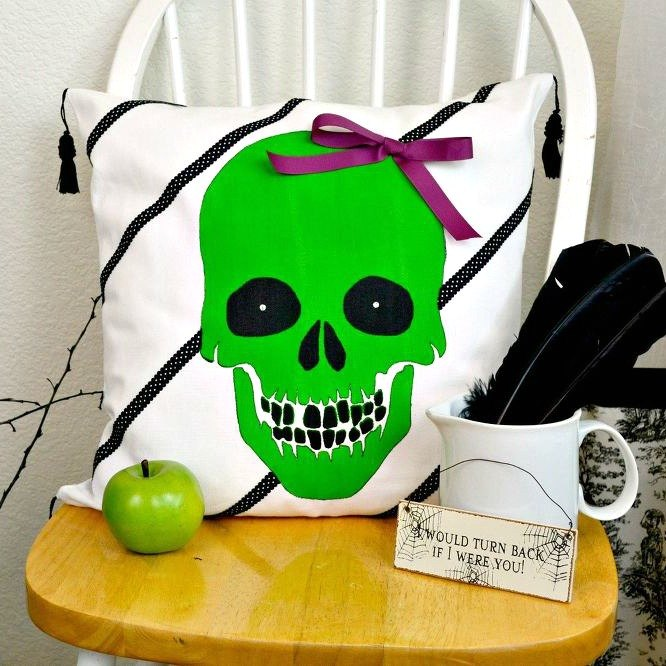 15 cute and creepy throw pillow designs you can paint this for Cute halloween decorations to make at home