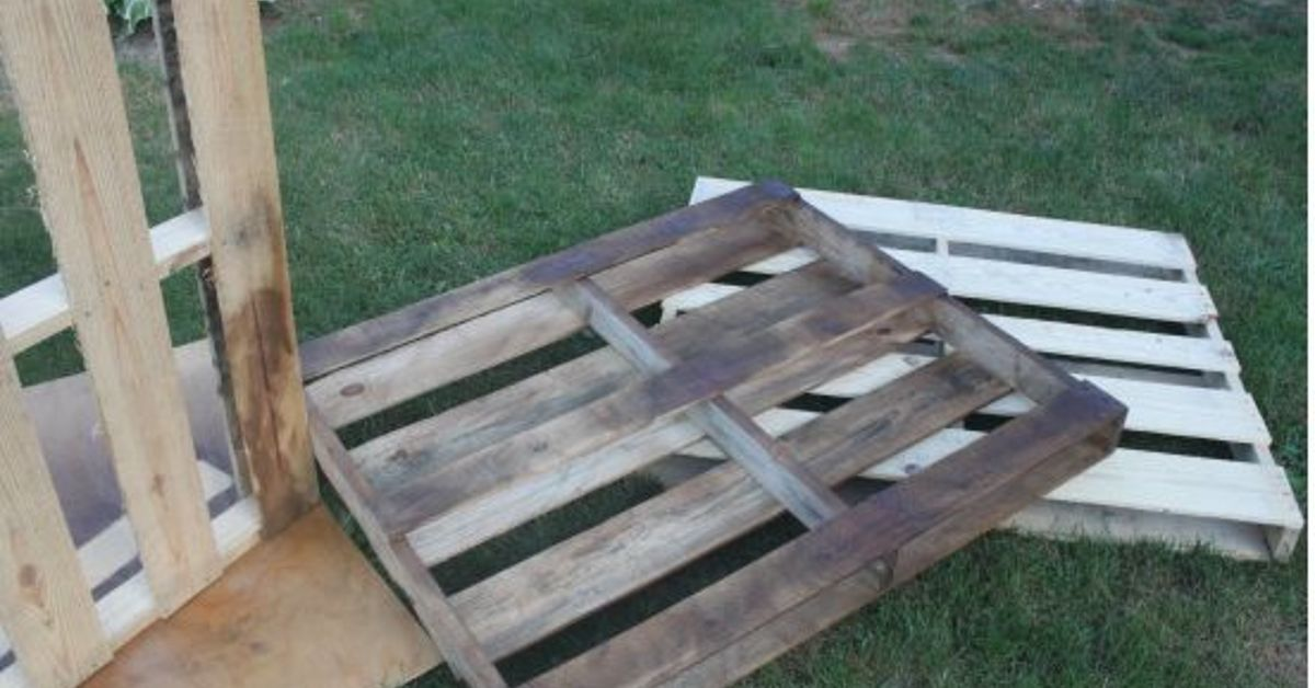 Diy Outdoor Furniture Pallets diy outdoor dining table from wood pallets | hometalk