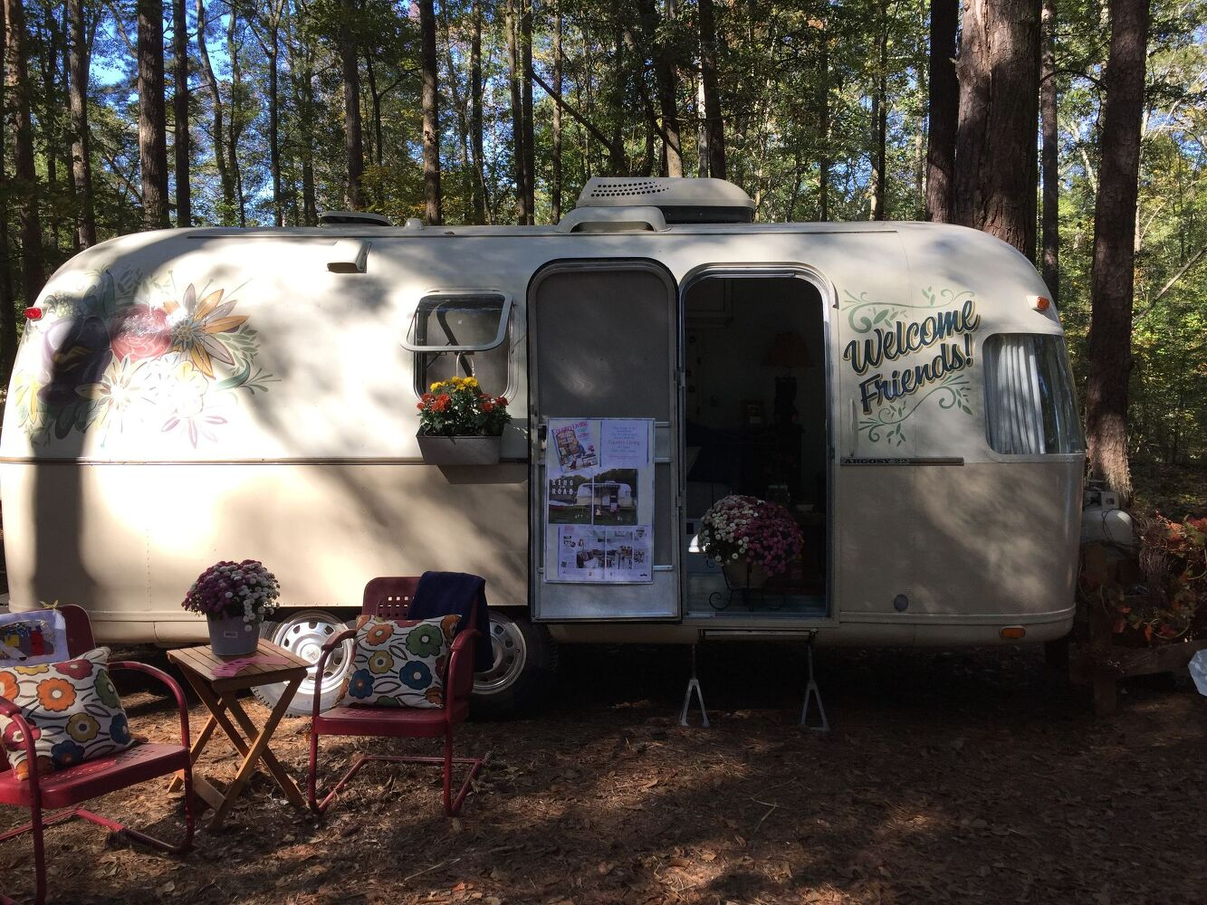 The top 13 trends from the 2015 country living fair hometalk for Airstream christmas decoration