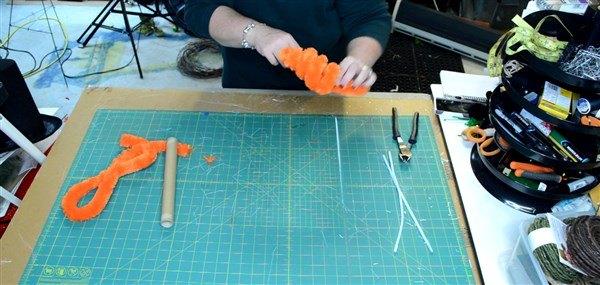 how to make a deco mesh work wreath