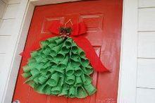 burlap christmas tree decor, christmas decorations, crafts, seasonal holiday decor, wreaths