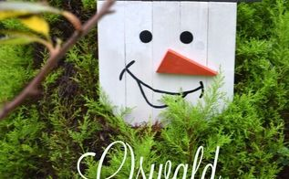 make a fun snowman sign out of pallets, christmas decorations, crafts, pallet, seasonal holiday decor, woodworking projects