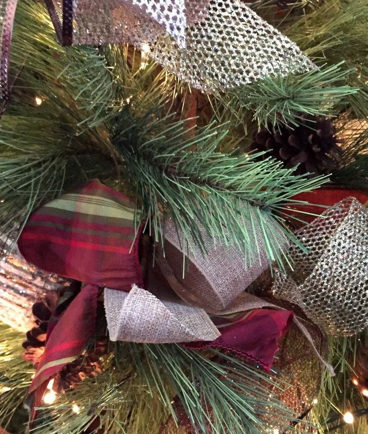 How to decorate a christmas tree with ribbon hometalk for How to decorate the best christmas tree