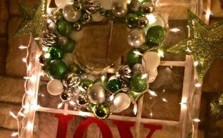 diy christmas wreath, christmas decorations, crafts, seasonal holiday decor, wreaths