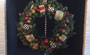 making a mackenzie child s christmas wreath, christmas decorations, crafts, seasonal holiday decor, wreaths