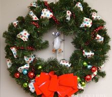 easy outdoor christmas wreath, christmas decorations, seasonal holiday decor, wreaths