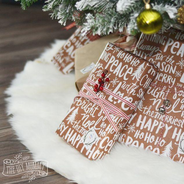 DIY No-Sew Faux Fur Christmas Tree Skirt | Hometalk