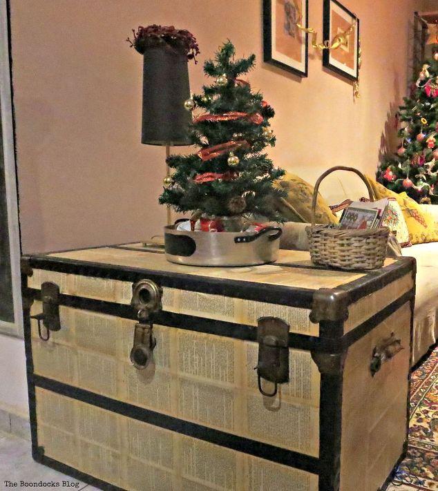 Old House Christmas Decorations: Home For Christmas Blog Hop