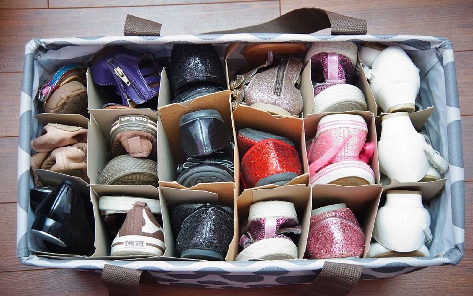 s the best organizing ideas of 2015 that you should do this year too, organizing, Organizing Shoes with a Tote Bag