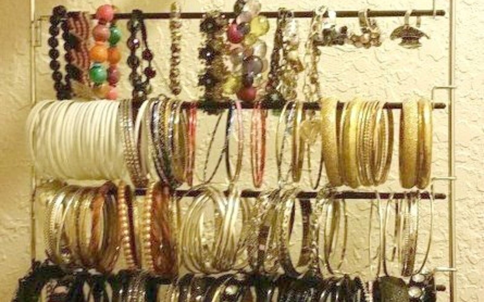 s the best organizing ideas of 2015 that you should do this year too, organizing, Repurpose Pants Hangers for Jewelry