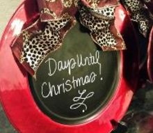 christmas countdown charger plate, chalkboard paint, christmas decorations, crafts, seasonal holiday decor