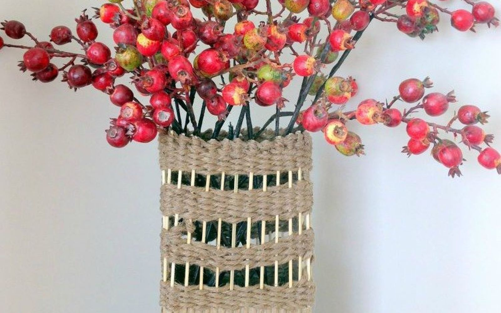 s 15 brilliant ways to reuse your empty cardboard boxes, home decor, repurposing upcycling, Wrap It in Jute Make a Vase