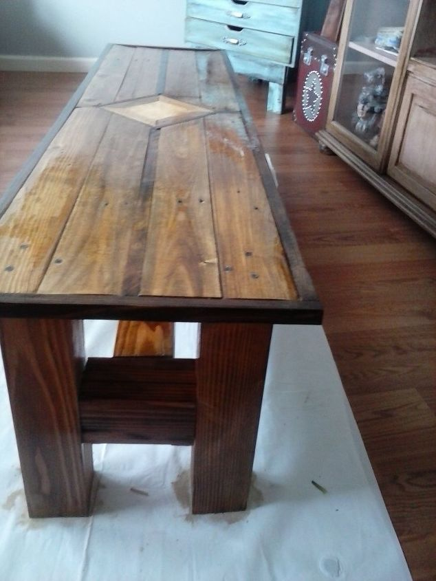 1 pallet 1 4x4 post coffee table hometalk for 4x4 dining table