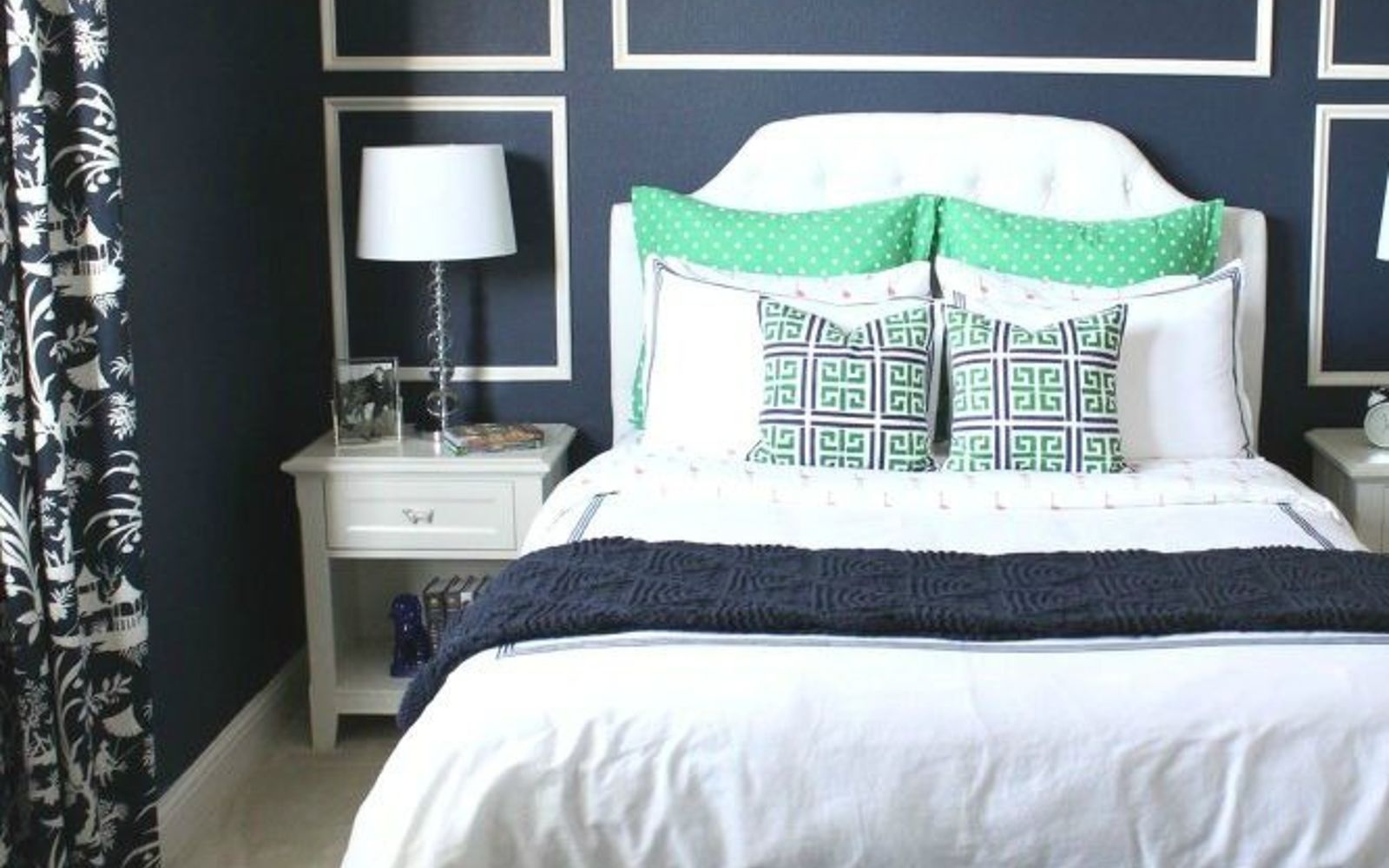 s 10 awesome paint colors to try in 2016, bedroom ideas, home decor, paint colors, Naval Sherwin Williams