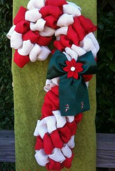 burlap candy cane wreath, crafts, seasonal holiday decor, wreaths