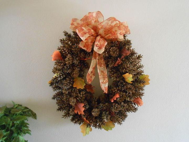 Diy pine cone wreath using chicken wire hometalk for Crafts using pine cones