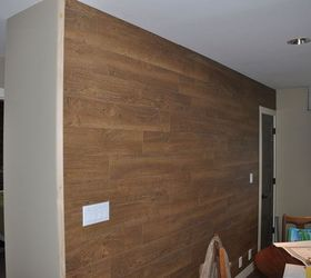 Laminate Flooring Wall, Wall Decor, Woodworking Projects, Just Need To  Paint The Trim Part 39
