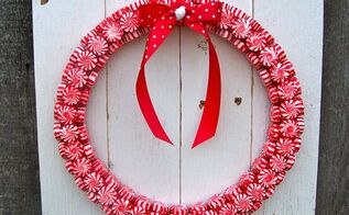 christmas peppermint wreath, christmas decorations, crafts, seasonal holiday decor, wreaths