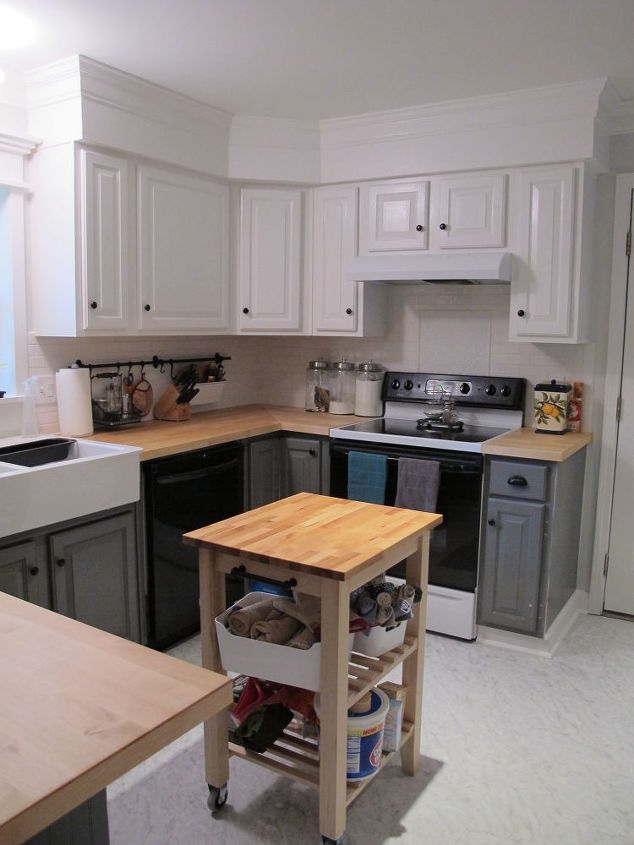 Kitchen redo ideas using white paint hometalk for Choosing white paint for kitchen cabinets