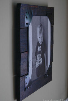 how to make rustic pallet picture frames, crafts, pallet, repurposing upcycling, woodworking projects