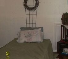 pallets bed, painted furniture, pallet, Pallet bed will b get a twin mattress soon