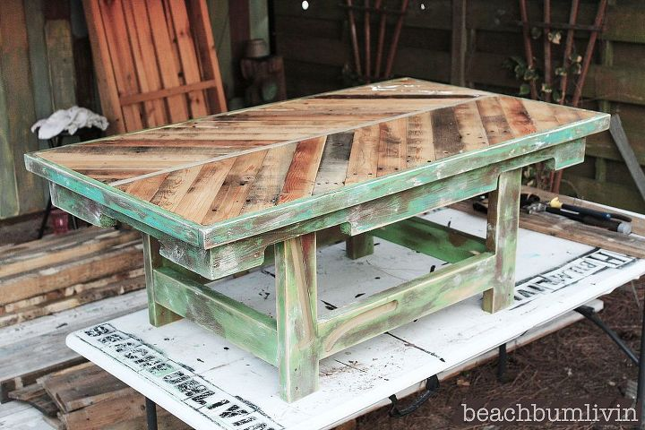Pallet wood coffee table hometalk - How to make table out of wood pallets ...