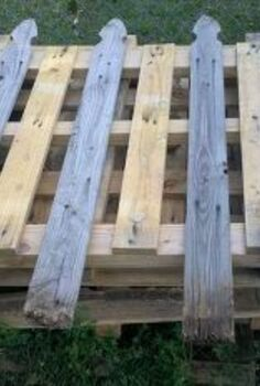 re purposing pallets, diy, fences, how to, pallet, repurposing upcycling, Pallet fence panel before trimming the rotten wood and painting