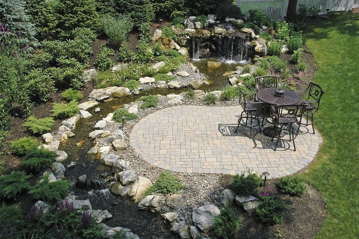 Fun beautiful and safe for kids think pondless for Garden pond questions