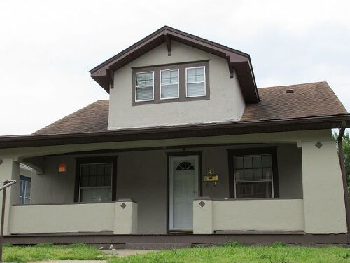 Exterior paint colors hometalk for Exterior paint colors to match green roof