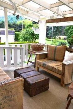 from dumping ground to patio again let s visit, outdoor furniture, outdoor living, painted furniture, patio, Ahhh much better The pallet sofas got fluffed up surfaces got cleaned and we re back in biz