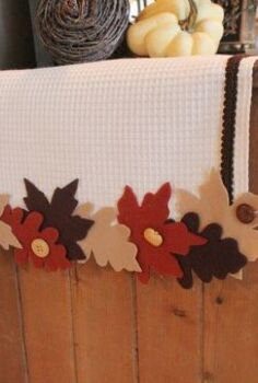 fabulous no sew fall leaf runner, crafts, seasonal holiday decor, Using three colors of felt and some waffle weave fabric and leftover buttons I created this cute Fall Leaf Runner for my foyer cabinet