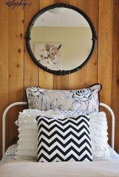 girls budget bedroom makeover, bedroom ideas, home decor, Layered bedding and 5 yard sale mirror