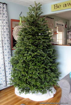 string your lights like rockefeller, lighting, seasonal holiday decor, You start with a tree