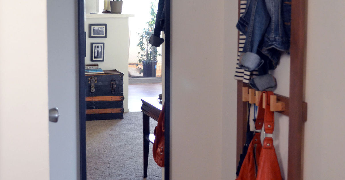 Small Foyer Makeovers : Small entryway makeover hometalk