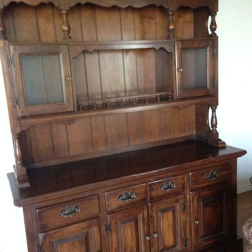 Here is a picture of this China Hutch