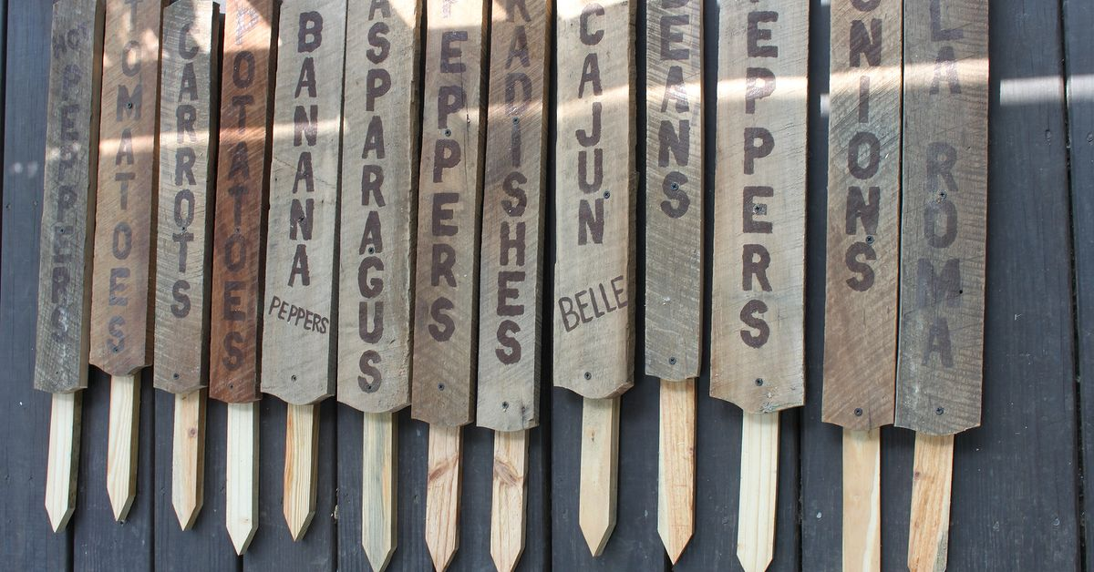 Making garden signs from old barn wood hometalk for Making craft projects from old barn wood