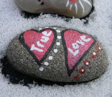 sweet heart stones, crafts, seasonal holiday decor, valentines day ideas