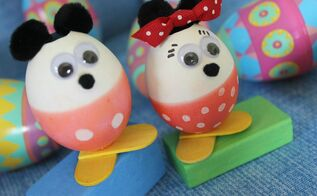 mickey minnie mouse easter eggs, crafts, easter decorations, seasonal holiday decor, I dyed the bottom half of each egg with red food coloring and once it dried I used a white acrylic paint pen to make the dots