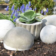 concrete garden orbs, concrete masonry, container gardening, crafts, gardening