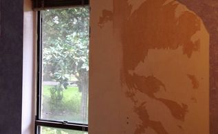 wallpaper removal tips help, home maintenance repairs, wall decor, Under 3 layers of wallpaper